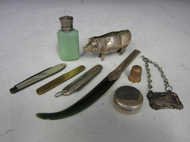 An Edwardian silver mounted and nephrite combined propelling pencil and letter opener London 1905  (9)