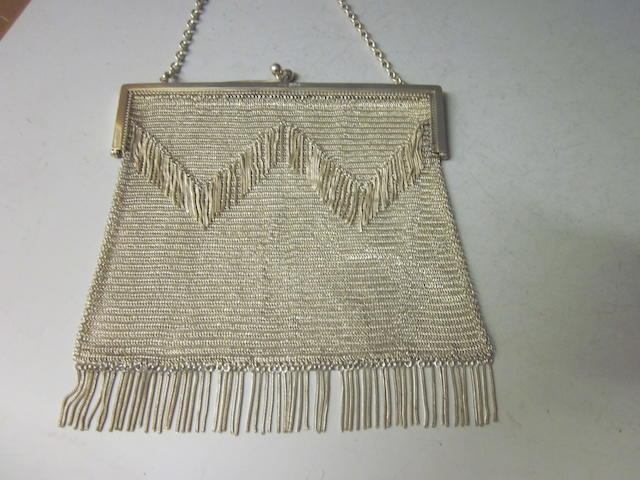 A silver mesh evening purse, London 1914,