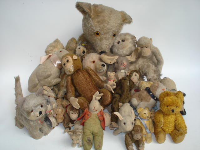 Collection of Teddy bears and soft toys lot
