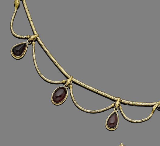 A garnet fringe necklace