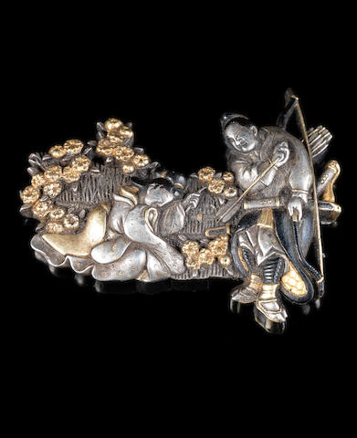 A mixed metal pouch clasp Meiji Period or later