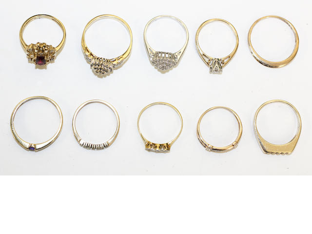 A collection of ten rings, (10)