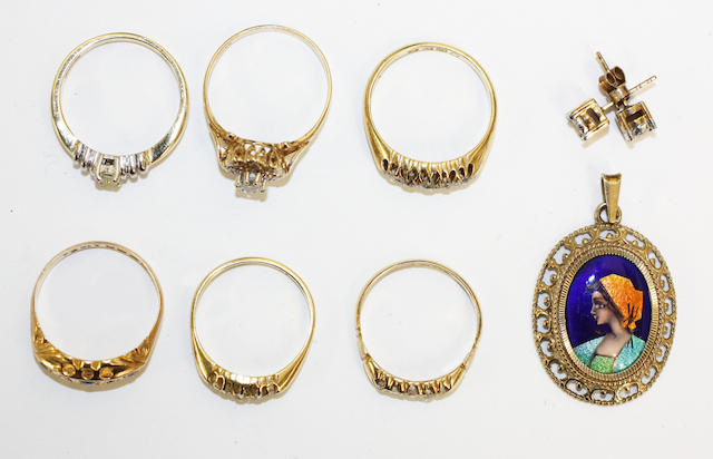 A collection of six assorted rings, a pair of diamond earstuds and an enamelled pendant, (8)