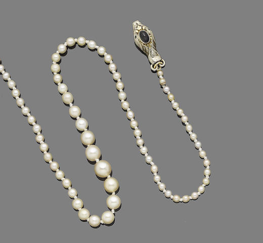 A single-strand natural pearl necklace,