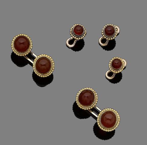 A carnelian dress set (5)