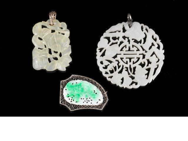 Jade pendants (to be looked at by Asian Dept) (3)