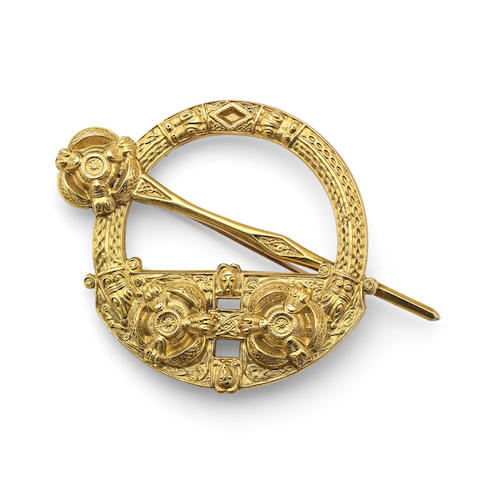 An 18ct gold replica of the Irish 'Cavan brooch'