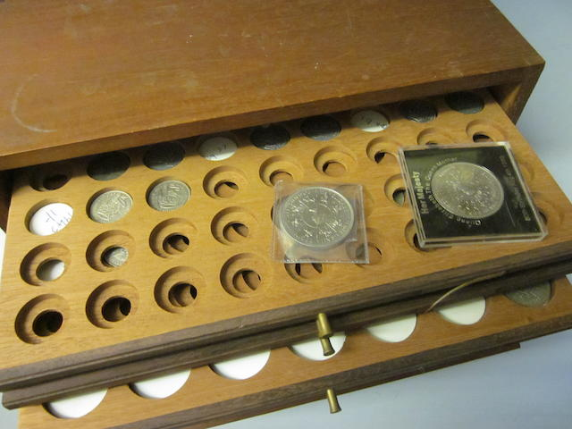 A small collection of sixpences, shillings, crowns, pennies and presentation crowns,