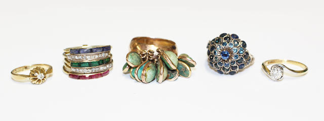 Five various dress rings (5)