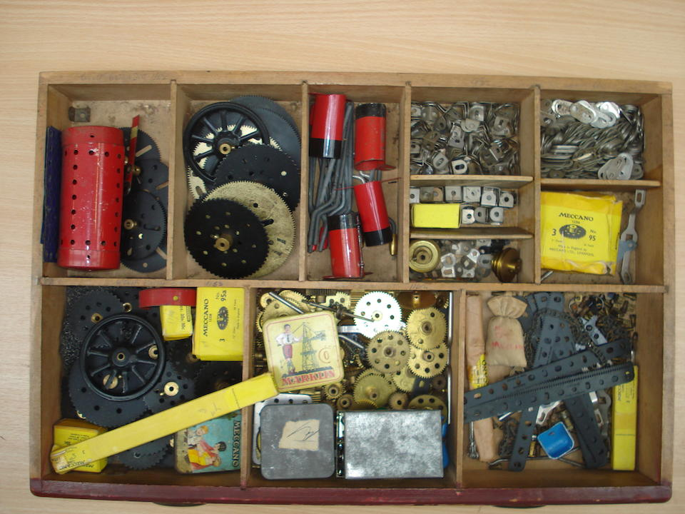 A large collection of loose Meccano, 1920's to 1960's lot
