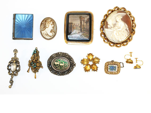 A small collection of assorted jewellery including a cameo of Hebe, micromosaic brooch and book shpaed enamel patch box (a lot)