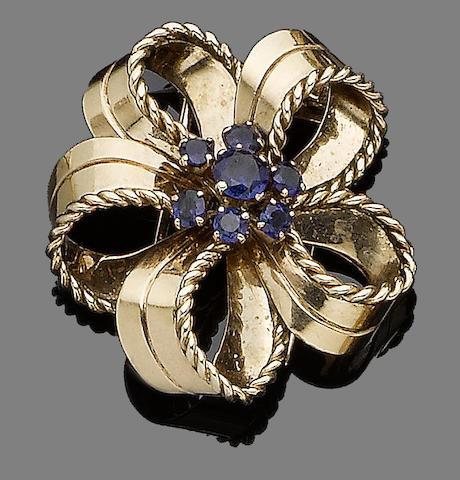 A sapphire brooch