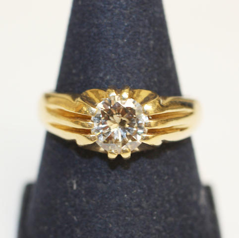 A Gentlemans 18ct gold single stone diamond ring