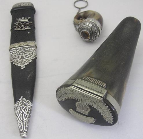 A horn vinaigrette Unmarked  (3)