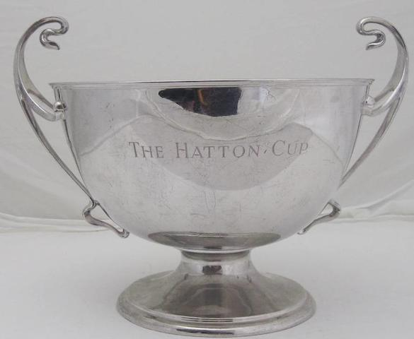 A twin handled silver presentation bowl by Elkington & Co., Birmingham 1907