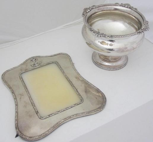 A silver photograph frame By Carrington & Co., London 1905  (2)