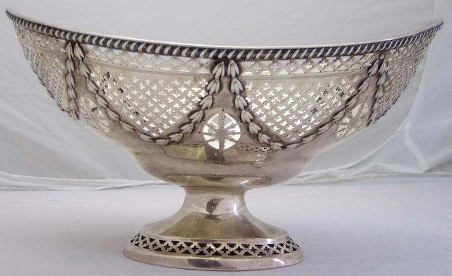 A late Victorian fruit bowl by Hamilton & Inches, Edinburgh 1898