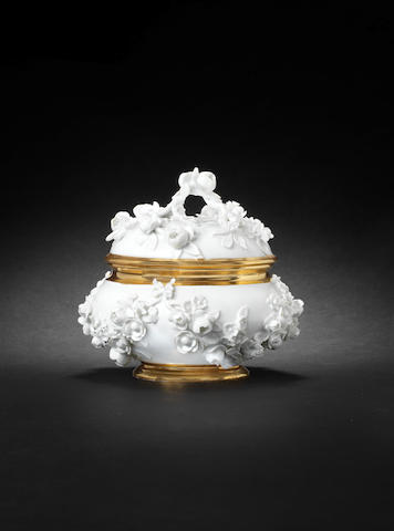 A Meissen écuelle for Princess Wilhelmine of Prussia circa 1735-1736