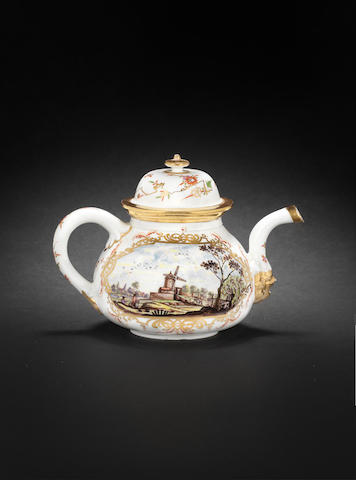 A Meissen KPF teapot and cover, circa 1723