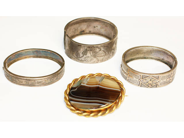 A large collection of jewellery, (quantity)