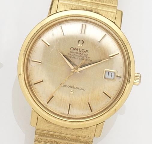 Omega. An 18ct gold automatic calendar bracelet watchConstellation, Case No.235996, Movement No.18327014, Birmingham Hallmark for 1963