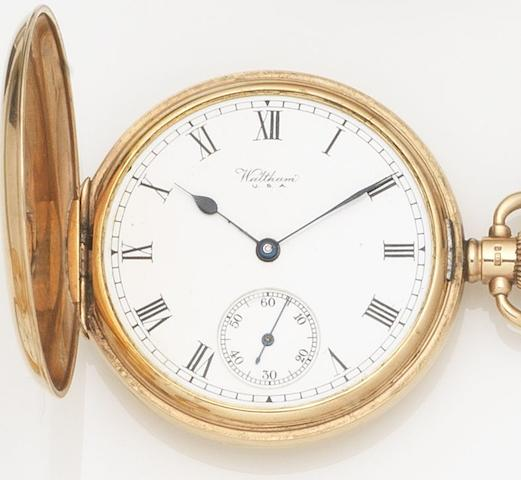 Waltham. A 9ct gold keyless wind full hunter pocket watchCase No.333096, Movement No.25900106, Birmingham Hallmark for 1925