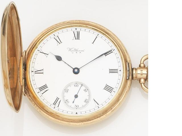 Waltham. A 9ct gold keyless wind full hunter pocket watch Case No.333096, Movement No.25900106, Birmingham Hallmark for 1925