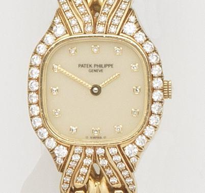Patek Philippe. A lady's 18ct gold and diamond set quartz bracelet watchRef:4815/3, Case No.2892337, Movement No.1611945, Circa 1990
