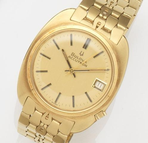 Bulova. An 18ct gold electronic calendar bracelet watchAccutron, Ref:218D, Case No.1-836939, 1969