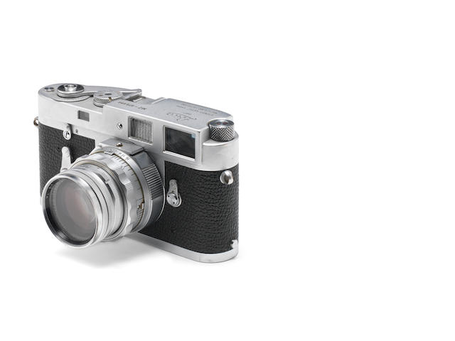 Leica M2 chrome 979680 Summicron lens