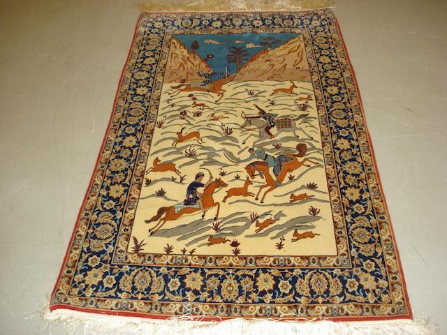 An Isfahan rug, Central Persia, 171cm x 101cm