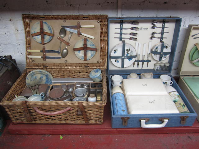 A Sirram 4-person wicker picnic set,