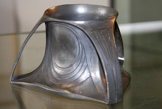 A Peter Behrens 1902 Art Nouveau pewter pot for 'Osiris',