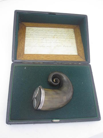 Of Robert Burns interest; a 19th century horn snuff mull