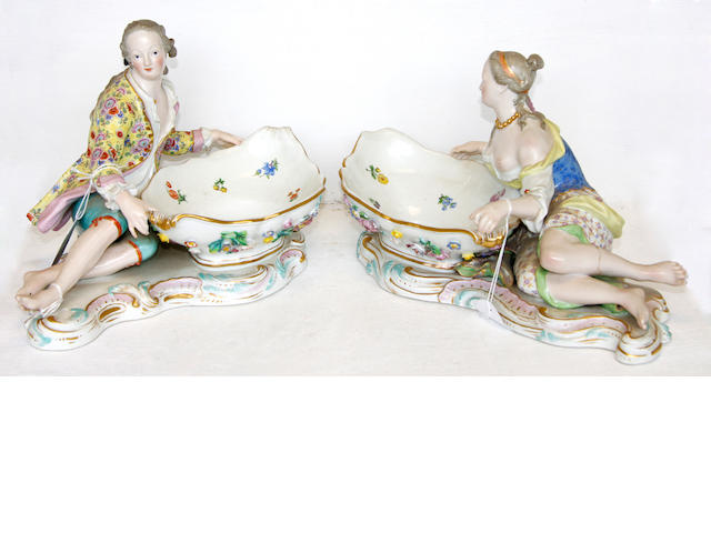 A pair of Meissen sweetmeats