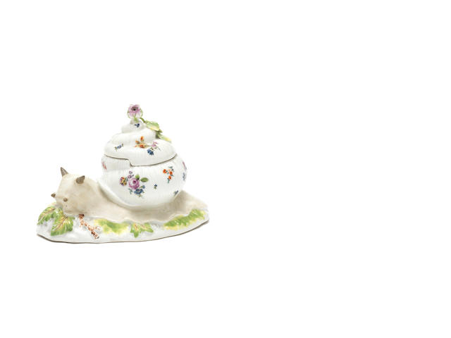 A Meissen snail pot and cover, circa 1747