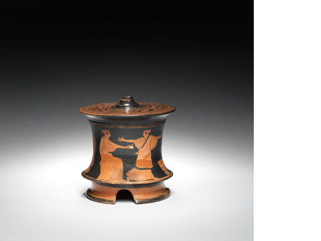 Attic red figure pyxis with lid