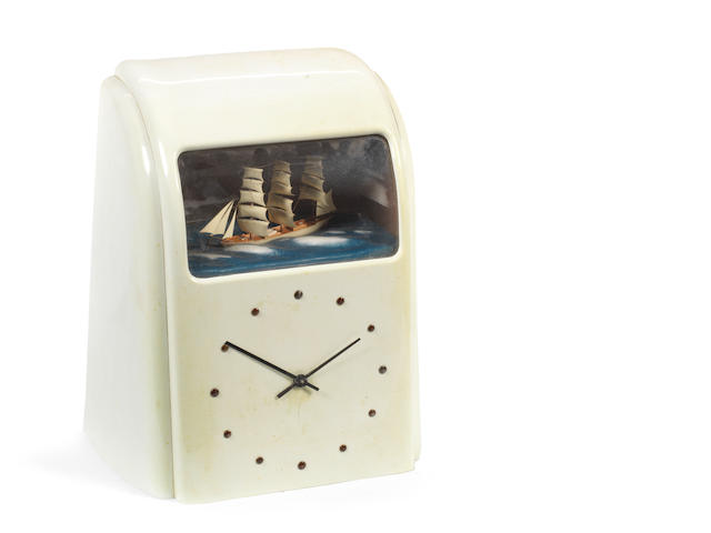 A Vitascope electronic novelty clock,