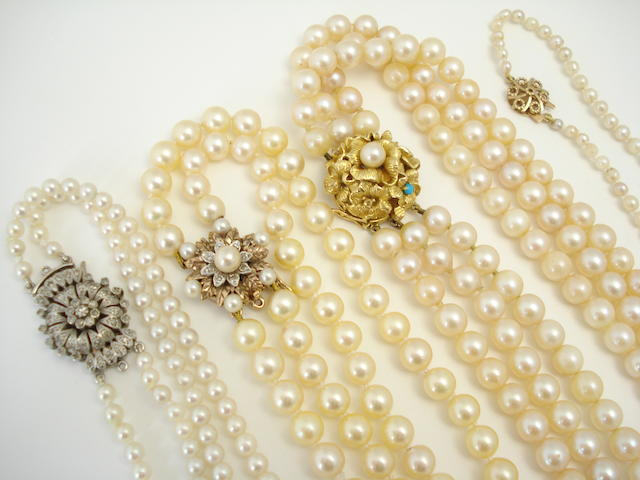 Four cultured pearl necklaces