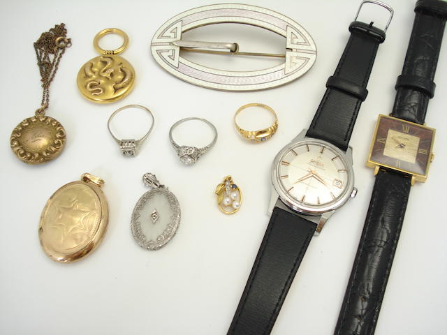 A small collection of jewellery and watches (11)