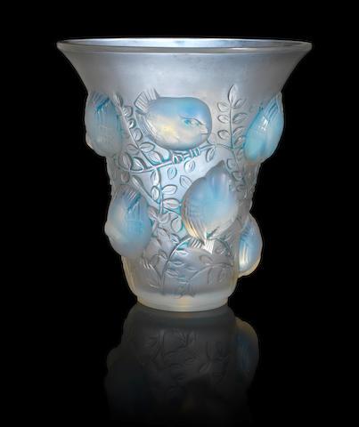 René Lalique 'St François' a Vase, design 1930