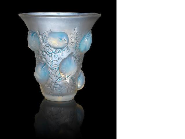 A lalique vase