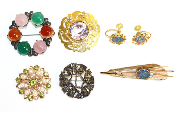 A collection of five brooches and a pair of earclips,  (6)