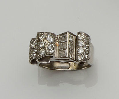 A diamond odeonesque ring, circa 1940s/1950s