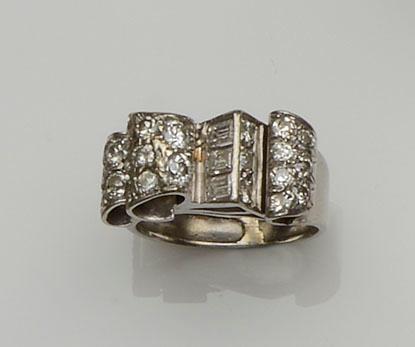 A diamond odeonesque ring, circa 1940s/1950s
