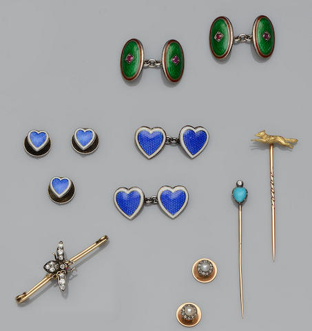 A collection of jewellery (13)