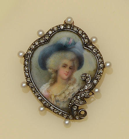 A French gem set brooch/pendant