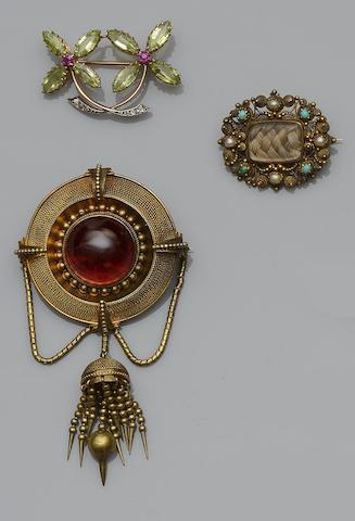 A large collection of assorted Victorian and Edwardian jewellery
