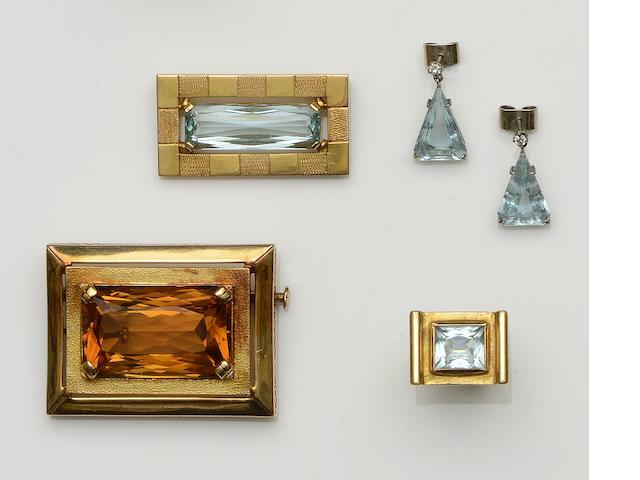 A large citrine set rectangular brooch (4)