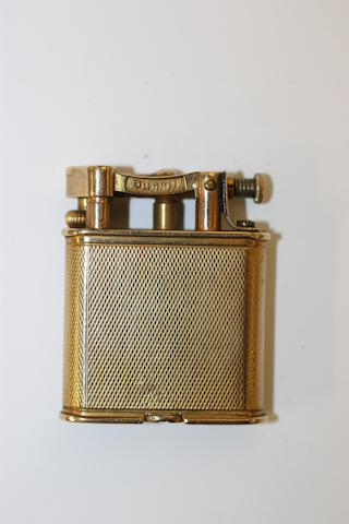 Dunhill: A 9ct gold lighter,